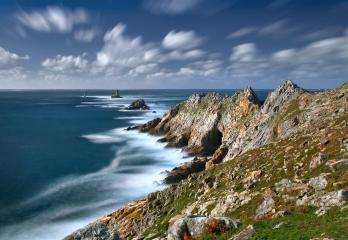 Discovering Pointe Raz during your stay in South Finistere